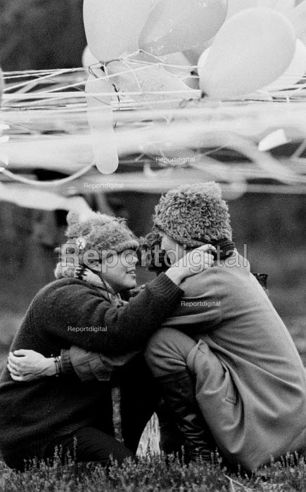Balloons for Peace, RAF Greenham Common peace camp against the American USAF cruise missiles at the base, New Years Day 1984 - John Harris - 1984-01-01