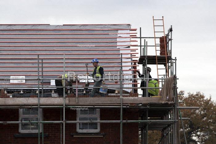 Building site, new homes Worcestershire - John Harris - 2013-11-25