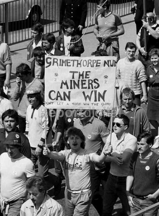 Johnny Woods, Grimethorpe, 15,000 Miners protest, Mansfield, Nottinghamshire - John Harris - 1984-05-07