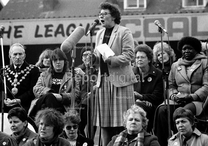 Ann Lilburn WAPC speaking, WAPC rally Chesterfield at the end of the Miners strike, International Womens Day - John Harris - 1985-03-09