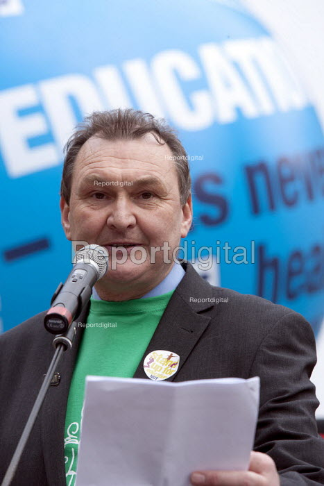 Kevin Courtney NUT speaking, NUT strike rally, Birmingham - John Harris - 2014-03-26