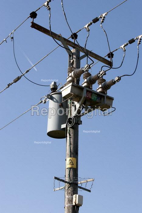 An electricity pylon and power lines. - John Harris - 2014-03-09