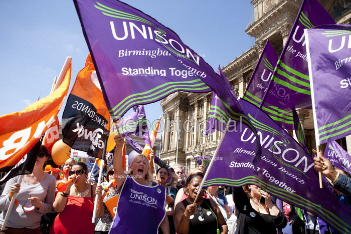 Public sector workers strike over pay, pensions and workload, Strike rally, Victoria Square, Birmingham. Outside the Town Hall - John Harris - 2014-07-10