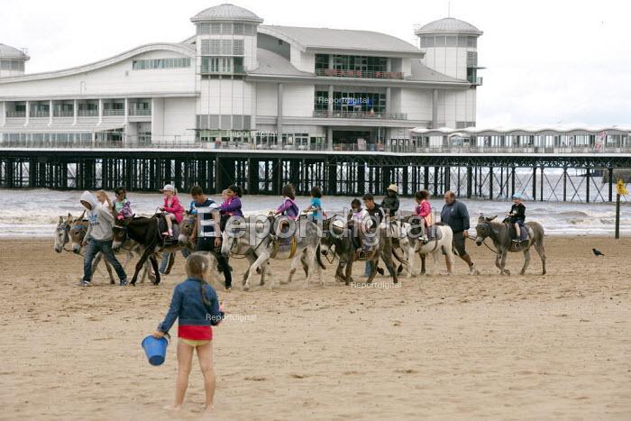 School trip to the seaside, Weston Super Mare, Somerset - John Harris - 2014-07-04