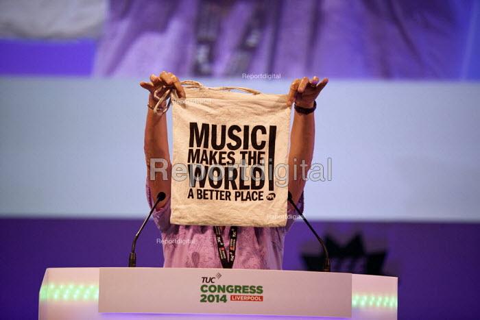 Music makes the world a better place! MU delegate speaking, TUC, Liverpool 2014 - John Harris - 2014-09-09