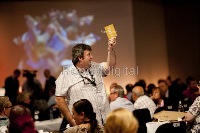 Unite card vote TUC, Liverpool 2014 - John Harris - 2014-09-10