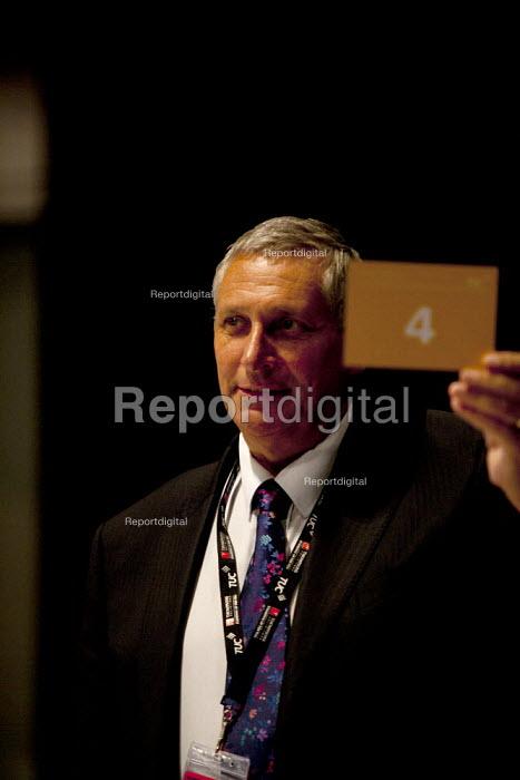 HCSA card vote TUC, Liverpool 2014 - John Harris - 2014-09-10