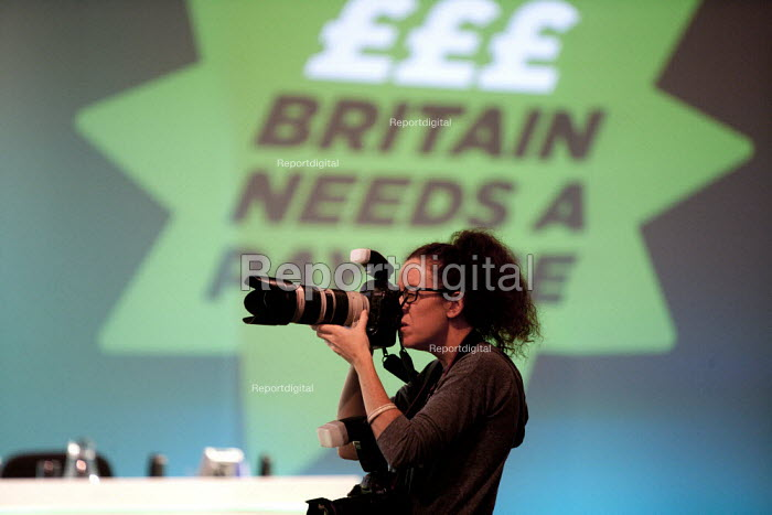 Photographer Jess Hurd at work, TUC, Liverpool 2014 - John Harris - 2014-09-10