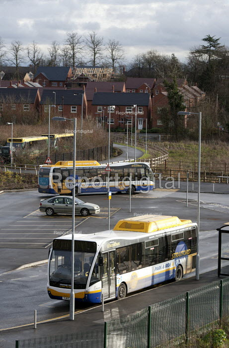 A bus at a stop, park and ride scheme and new housing, Bishopton, Stratford-upon-Avon, Warwickshire - John Harris - 2014-12-18