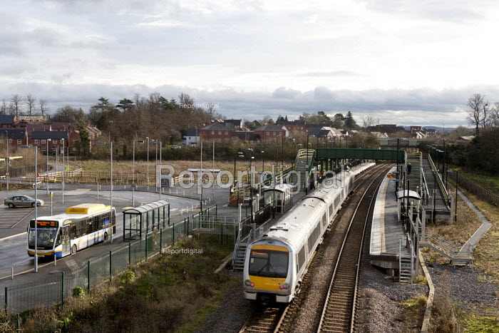 A train at the new park-and-ride railway station on the edge of town, Parkway, Bishopton, Stratford-upon-Avon, Warwickshire - John Harris - 2014-12-18