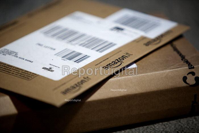 Amazon parcel delivery. - John Harris - 2015-02-13