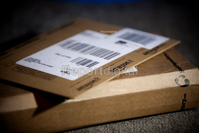 Amazon parcel delivery. - John Harris - 2015-02-13