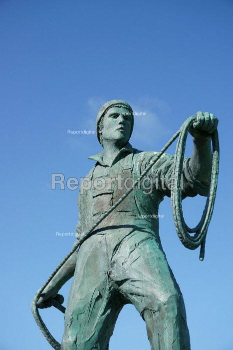 Memorial To Fishermen Lost At Sea, Newlyn harbour, Cornwall - John Harris - 2015-03-26