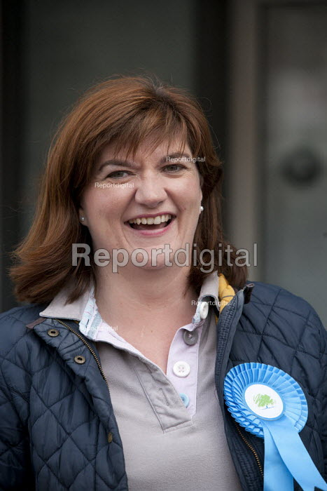 Nicky Morgan MP canvassing in the streets of Loughborough, Leicestershire - John Harris - 2015-04-25