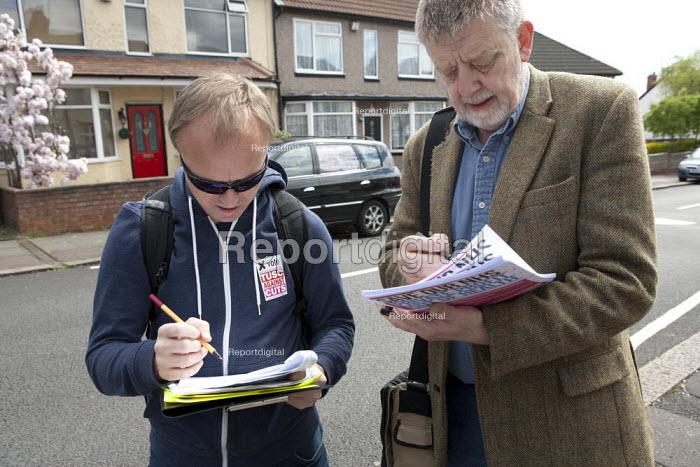 Dave Nellist, TUSC, canvassing, Coundon, Coventry - John Harris - 2015-04-26