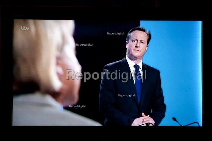 David Cameron, Conservatives listening to Natalie Bennett, Green Party. Stills from a TV showing The ITV Leaders' Debate watched by more than 7 million, UK General Election Campaign television program. - John Harris - 2015-04-02