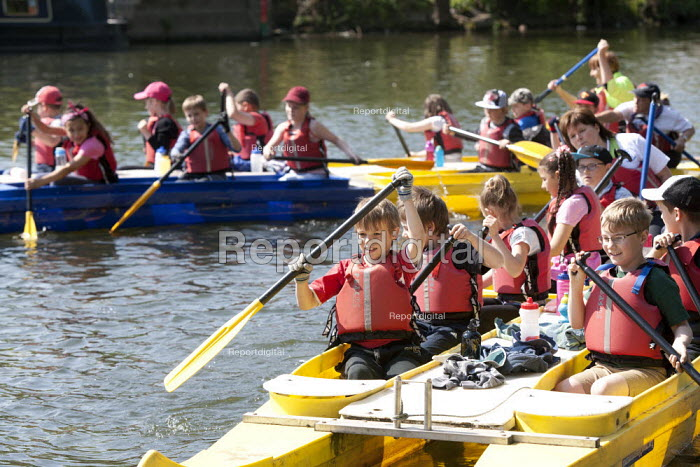 Racing each other. Pupils Bellboating on the river Avon, St Richard's First School, Evesham - John Harris - 2015-06-11
