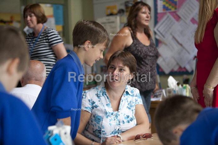 Open Day for parents of pupils at primary school, St Richards First School, Evesham, Worcestershire - John Harris - 2015-07-06