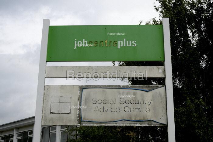 Closed Social Security Advice Centre - John Harris - 2015-06-26