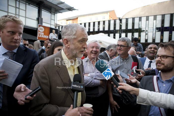 Jeremy Corbyn Rally Nottingham speaking to the media economist Richard Murphy (r) - John Harris - 2015-08-20
