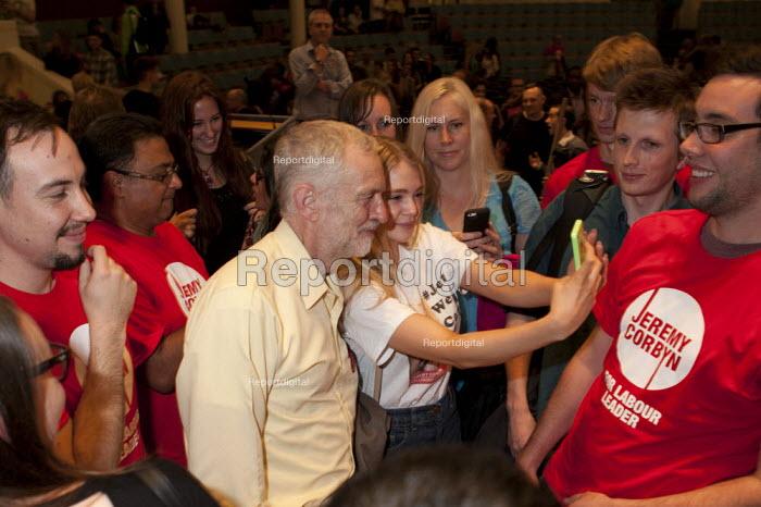 Jeremy Corbyn Rally Nottingham with supporters - John Harris - 2015-08-20