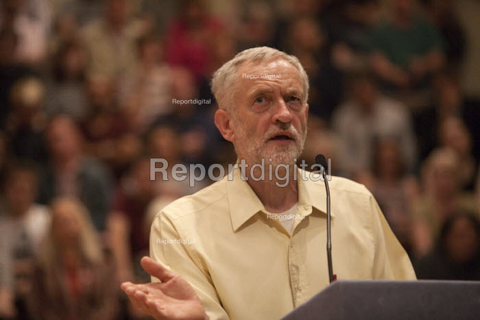 Jeremy Corbyn speaking Rally Nottingham - John Harris - 2015-08-20