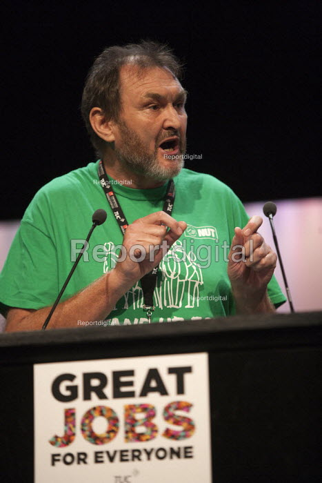 Kevin Courtney NUT speaking TUC conference Brighton - John Harris - 2015-09-11