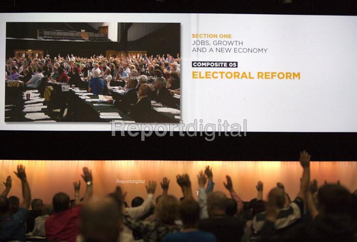 speaking TUC conference Brighton - John Harris - 2015-09-14