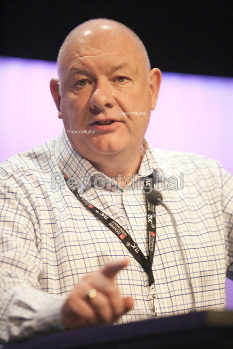 Dave Ward Gen Sec CWU speaking TUC conference Brighton - John Harris - 2015-09-15