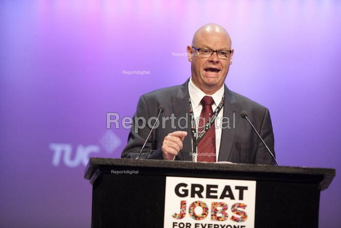 Steve Gillan POA Gen Sec speaking TUC conference Brighton - John Harris - 2015-09-15