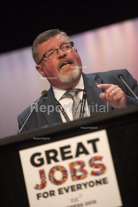 Gareth Hills FDA speaking TUC conference Brighton - John Harris - 2015-09-15