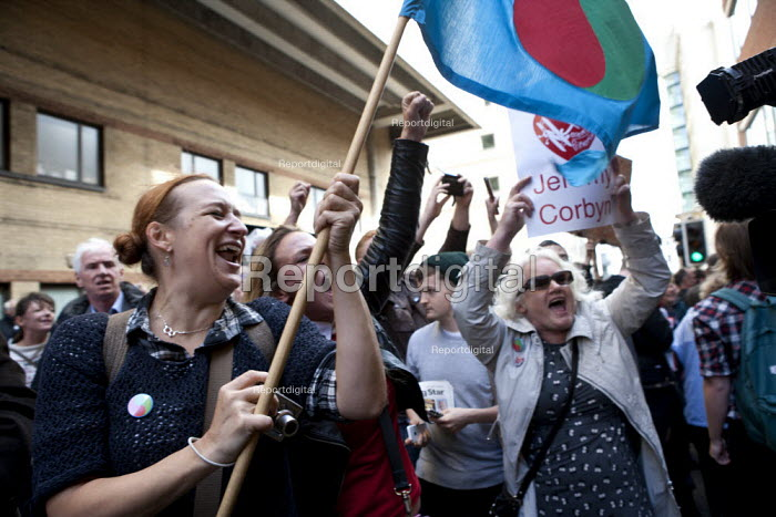 Jeremy Corbyn supporters as he arrives TUC conference Brighton - John Harris - 2015-09-15