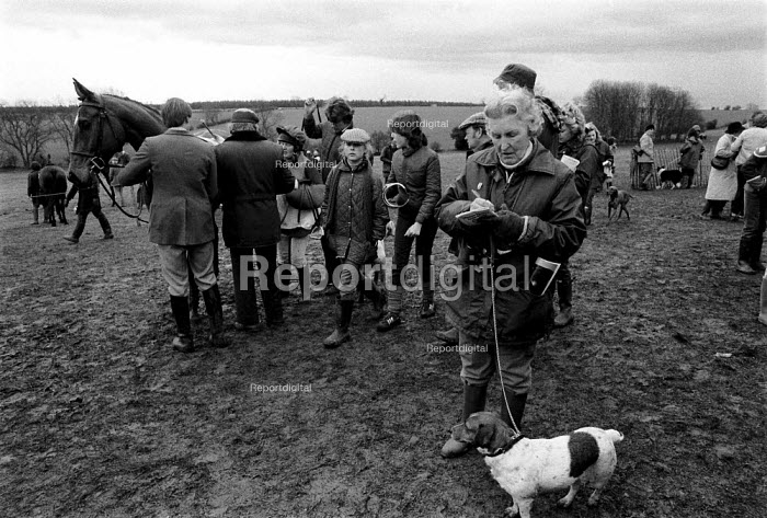 Race meeting in the Cotswolds attended by landed gentry and wealthy. - John Harris - 1981-01-12