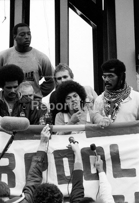 Angry protest by Liverpool 8 Defense Committee in the aftermath of a weekend of some of the worst inner city urban riots in mainland Britain. Many accused the police of racism. Toxteth riots, Liverpool 1981 - John Harris - 1981-07-25