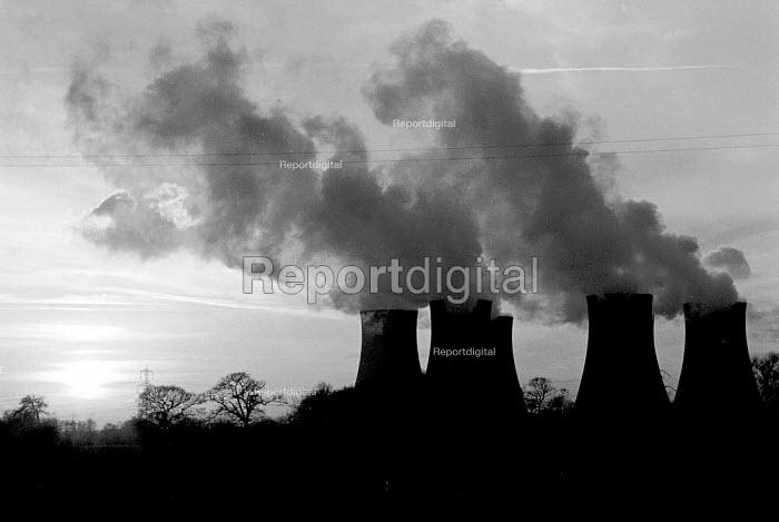 Drax Coal fired power station Yorkshire - John Harris - 1988-01-18