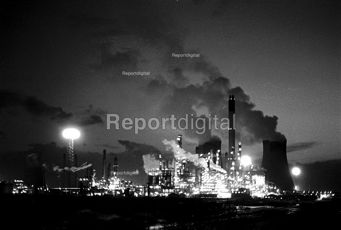 Port Talbot steelworks South Wales - John Harris - 1989-02-23