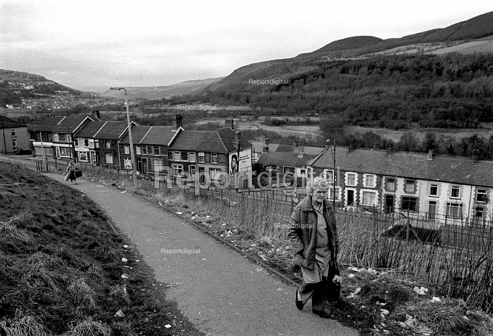 Women walking to the shops Penrhiwceiber, Cynon valley an area of low family income, poor housing and deprivation. South Wales 1989 - John Harris - 1989-02-21