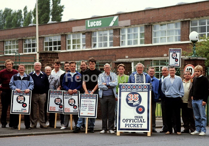Engineering workers picket at Lucas on strike for a 35 hour week as part of the CCSU campaign to reduce the hours worked in industry. ... - John Harris - 1989-10-07