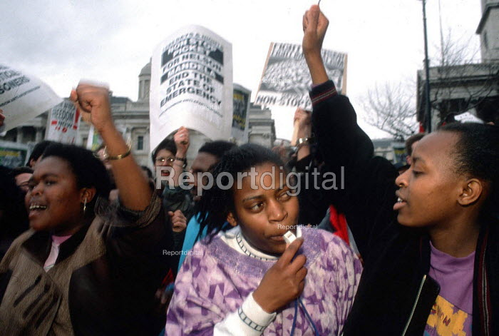 Celebrations at the release of Nelson Mandela outside South African Embassy London - John Harris - 1990-02-11