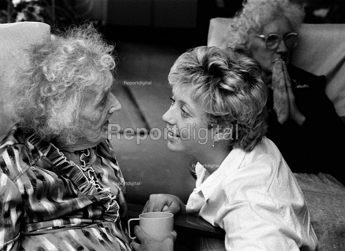 Social services day centre worker with disabled pensioner - John Harris - 1990-08-14