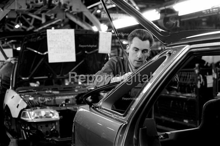 Car production line at Rover car plant Longbridge - John Harris - 1992-01-09