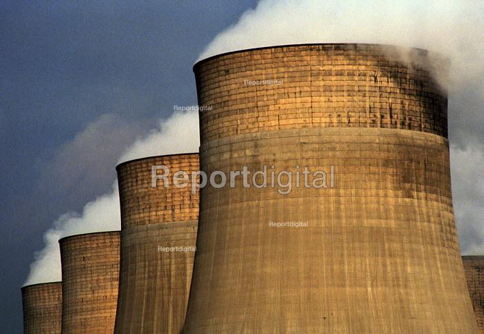 Ratcliffe-on-Soar coal fired power station 1992 - John Harris - 1992-02-21