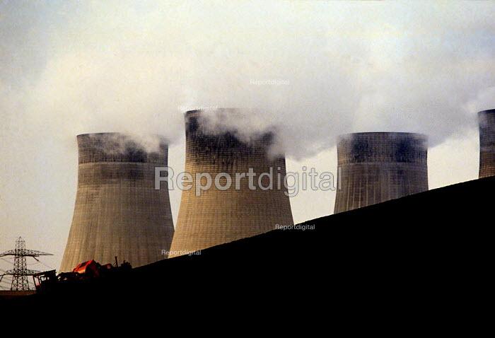 Ratcliffe-on-Soar power station coal fired power station 1992 - John Harris - 1992-02-21