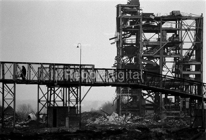 Demolished Askern Colliery, Yorkshire coalfield 1993, mother and pushchair crossing a footbridge over the former mine - John Harris - 1993-02-01