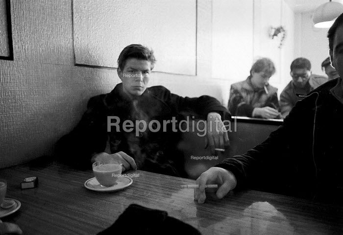 Homeless and unemployed youth hanging around a cafe Birmingham. Some started taking drugs to relieve the boredom and have had to get money through male prostitution as rent boys. - John Harris - 1993-03-27