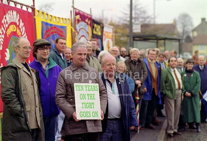 GCHQ trade unions vigil for the restoration the right to organize trades unions at GCHQ Cheltenham - John Harris - 1994-11-18