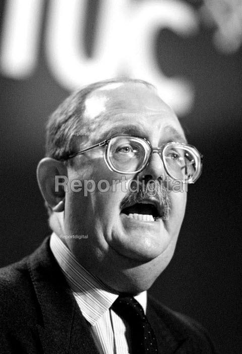 John Edmonds GMB speaking at TUC 1994 - John Harris - 1994-09-30