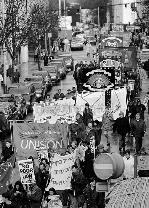 GCHQ trade unions annual rally for the restoration the right to organize trade unions at GCHQ Cheltenham - John Harris - 1995-01-28