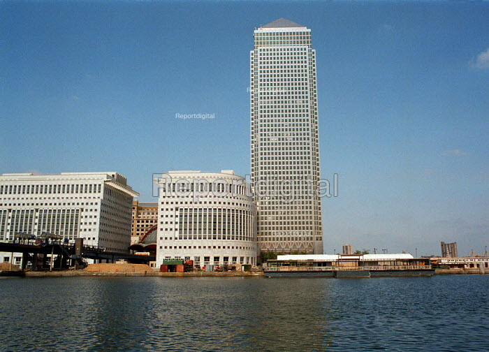Canary Wharf, Docklands London - John Harris - 1995-08-19