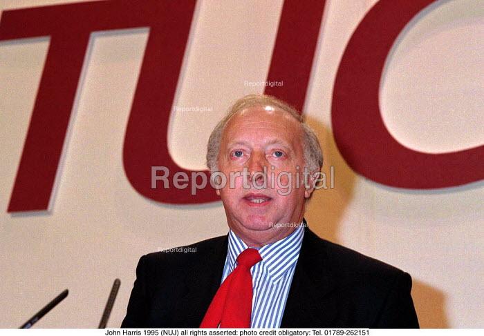 Arthur Scargill NUM speaking at TUC Conference 1995 - John Harris - 1995-08-30